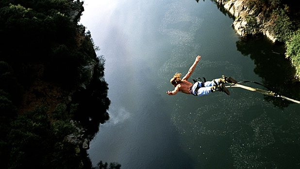 mj-618_348_fear-factor-the-top-9-extreme-activities-that-people-bail-on