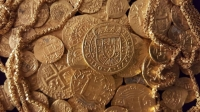 1715 Treasure Fleet recovered $1 million in gold, including a super rare Tricentennial Royal coin (center).