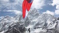 mj-618_348_flying-off-everest-a-journey-from-the-summit-to-the-sea