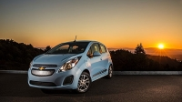 mj-618_348_for-the-drag-race-enthusiast-with-a-green-conscience-2016-chevrolet-spark-ev-11-electric-cars-that-you-can-buy-now