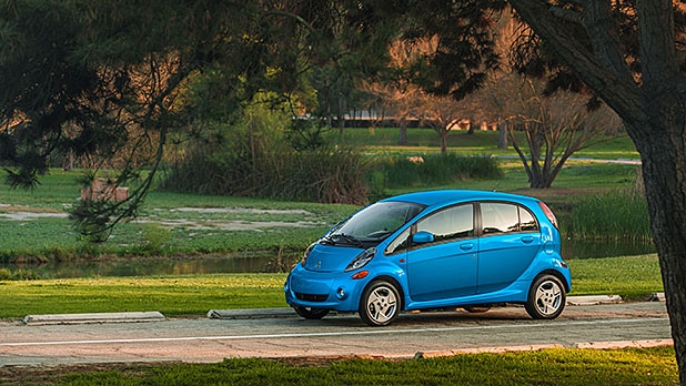 mj-618_348_for-the-ev-purist-2016-mitsubishi-i-miev-11-electric-cars-that-you-can-buy-now