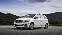 mj-618_348_for-the-family-man-who-needs-an-ev-2016-mercedes-benz-b250e-11-electric-cars-that-you-can-buy-now