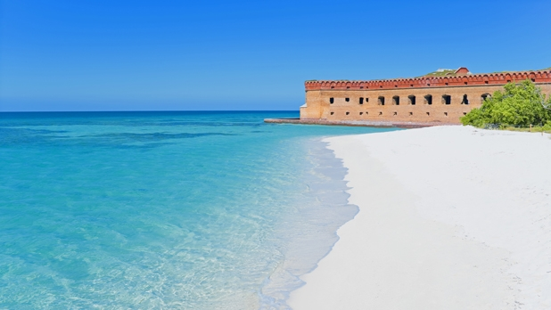 mj-618_348_fort-jefferson-dry-tortugas-florida-places-to-visit-before-they-disappear