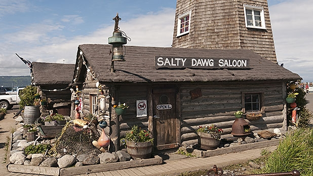 mj-618_348_get-a-drink-at-the-salty-dawg-saloon-in-homer-why-you-should-visit-alaska