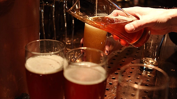 mj-618_348_getting-it-right-ordering-craft-beer-at-a-bar