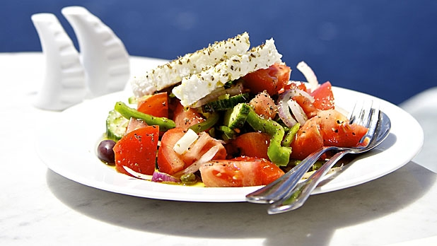 mj-618_348_how-to-make-an-authentic-greek-salad