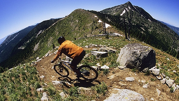 mj-618_348_how-to-mountain-bike-downhill-faster