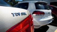 mj-618_348_how-to-remove-your-volkswagen-tdi-badge