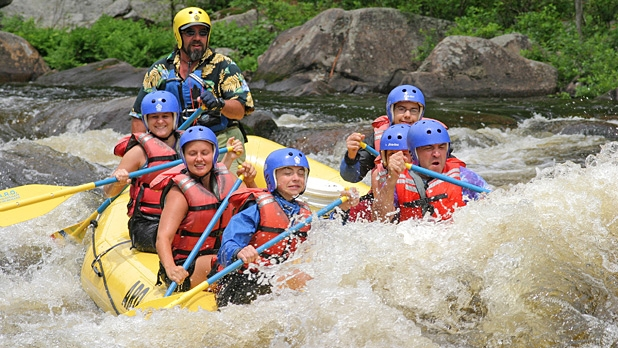 mj-618_348_hudson-river-gorge-new-york-the-best-whitewater-rafting-destinations-for-2014