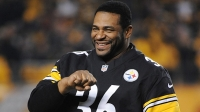Jerome Bettis, former running back for the Pittsburgh Steelers, acknowledges cheers from fans before a game between the Steelers and Baltimore Ravens on November 18, 2012 in Pittsburgh, Pennsylvania.