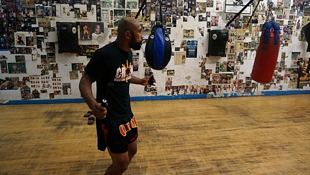mj-618_348_jump-rope-how-to-train-for-muy-thai-fighting