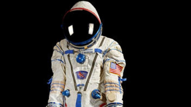 mj-618_348_kenneth-bowersox-spacesuit-best-space-history-you-can-buy
