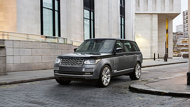 mj-618_348_land-rover-range-rover-best-cars-for-every-road-trip
