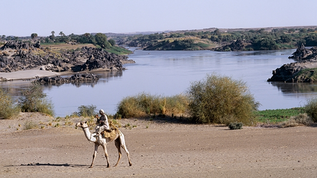 mj-618_348_levison-woods-nile-walk-major-expeditions-2014