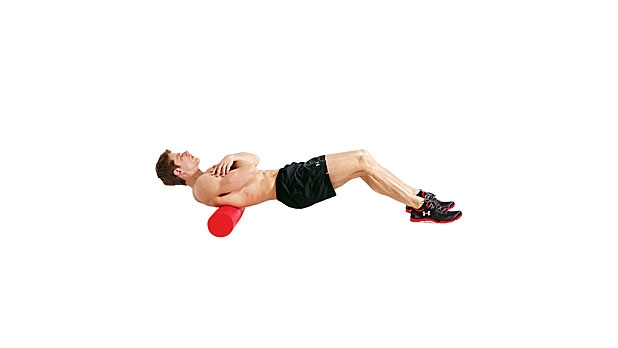 mj-618_348_mid-and-upper-back-11-foam-rolling-exercises-to-prevent-injuries