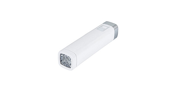 mj-618_348_monoprice-backup-battery-and-led-flashlight-9752-best-portable-chargers