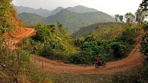 mj-618_348_motorcycle-the-ho-chi-minh-trail