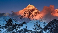 mj-618_348_mount-everest-is-once-again-open-for-business