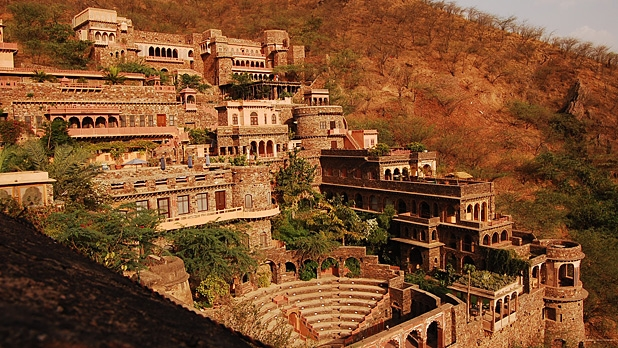 mj-618_348_neemrana-fort-castles-you-can-stay-in