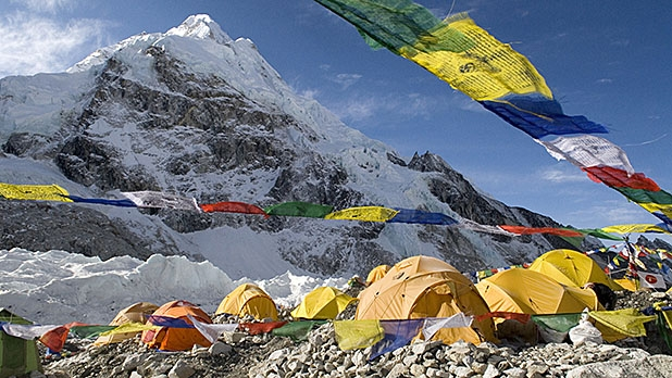 mj-618_348_nepal-looks-to-restrict-climbing-on-everest-but-do-the-new-rules-make-sense