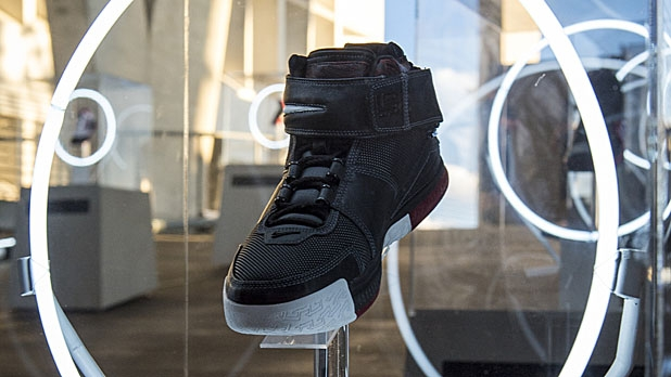 b5550321233e Who Reigns Between Jordan and LeBron  A Comparison of Nike Sneakers ...