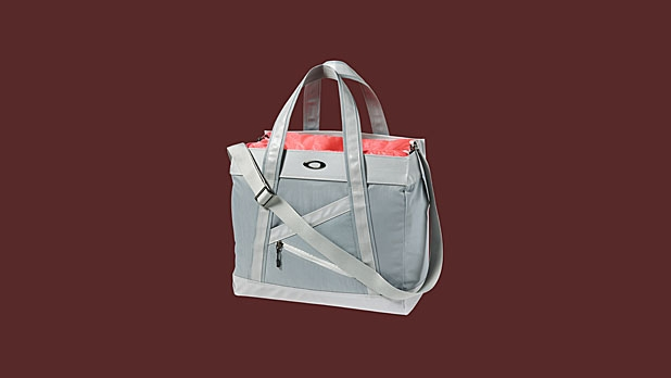 mj-618_348_oakley-high-profile-city-bag-14-things-she-wants-for-valentines-day