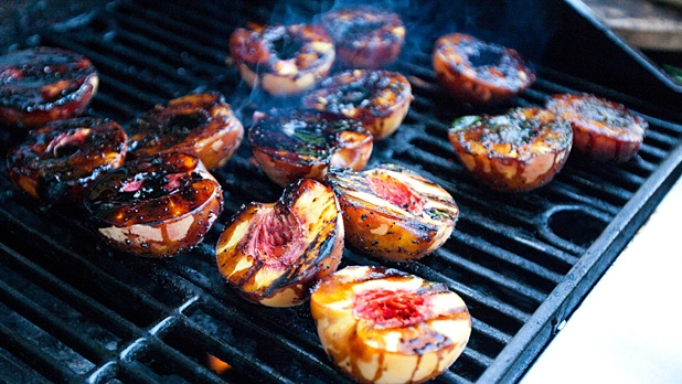 mj-618_348_peachy-summer-grilling