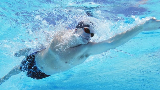 mj-618_348_pool-in-n-out-workout-9-best-swimming-workouts-for-summer