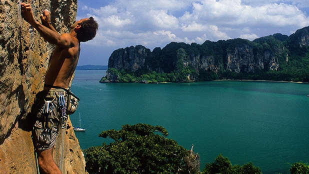 mj-618_348_railay-beach-the-top-20-most-adventurous-beaches-in-the-world