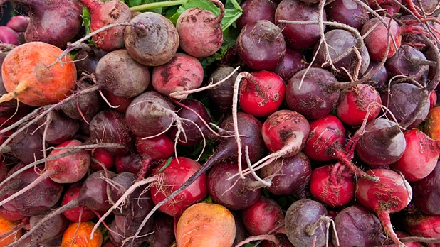 mj-618_348_red-beets-and-their-leaves