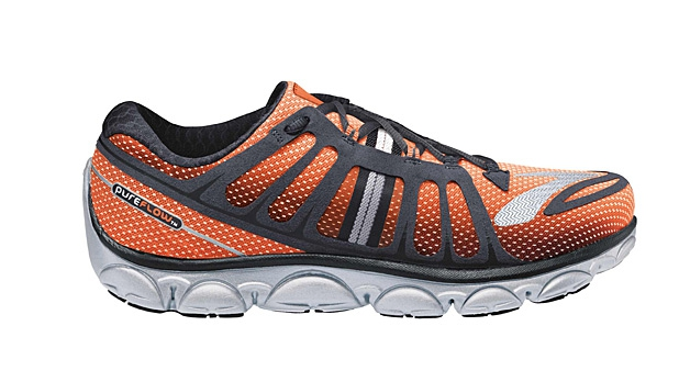 mj-618_348_road-tested-running-shoes-brooks-pureflow-2
