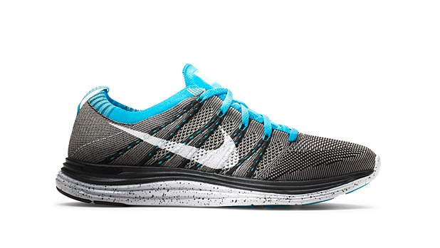 mj-618_348_road-tested-running-shoes-nike-flyknit-lunar1