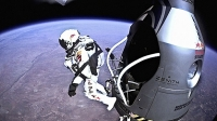 mj-618_348_skydiving-from-space-the-last-firsts