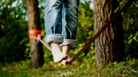 mj-618_348_slackline-workouts-for-foot-strength-and-mobility