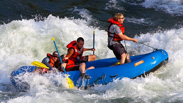mj-618_348_snake-river-wyoming-the-best-whitewater-rafting-destinations-for-2014