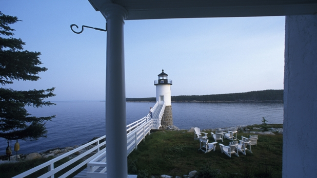 mj-618_348_stay-in-a-historic-lighthouse-in-maine-7-more-weeks-of-summer