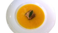 mj-618_348_steven-redzikowskis-pumpkin-soup-with-cinnamon-spiced-marshmallow