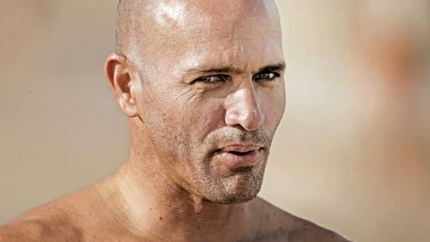 mj-618_348_surfing-legend-kelly-slater-save-the-day-at-waimea-bay