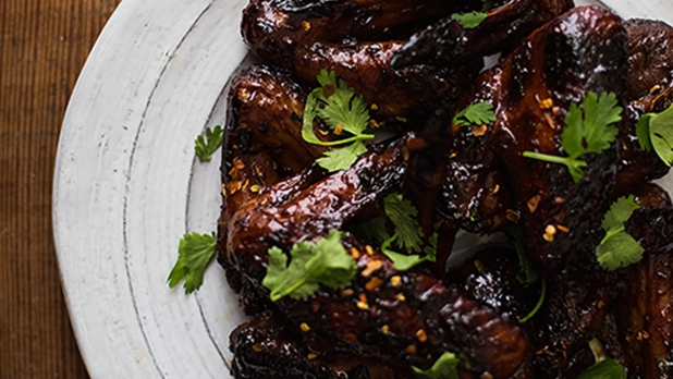 mj-618_348_sweet-chili-chicken-wings-7-days-of-easy-paleo-dinners