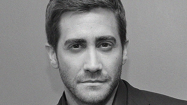 mj-618_348_the-barefoot-running-hill-attacking-life-of-jake-gyllenhaal-the-fittest-guy-in-hollywood