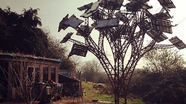 mj-618_348_the-best-crowdfunded-products-solar-trees