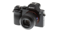 mj-618_348_the-best-spring-gear-of-2014-sony-a7