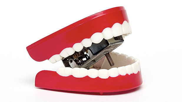 mj-618_348_the-best-ways-to-protect-your-gums