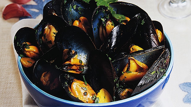 mj-618_348_the-easiest-way-to-cook-shellfish