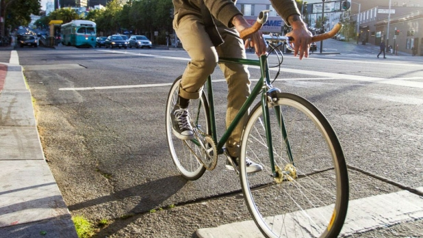 mj-618_348_the-essentials-5-must-have-items-for-bike-commuters