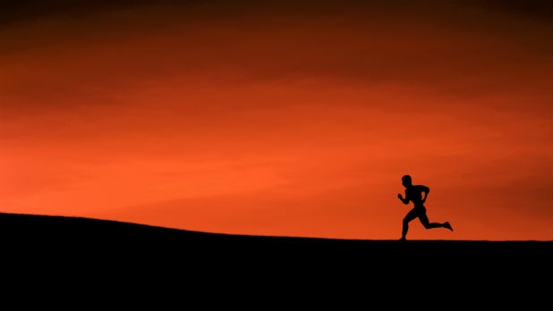 mj-618_348_the-essentials-5-must-have-items-for-long-distance-runners