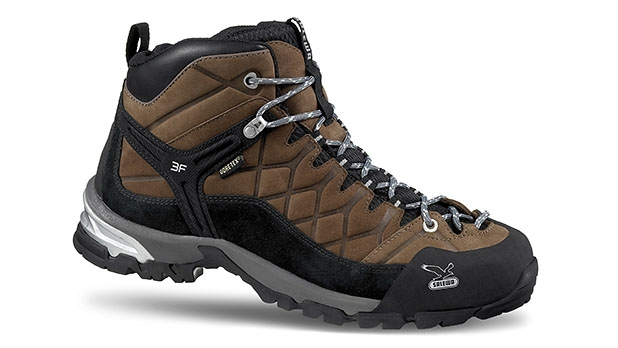 mj-618_348_the-go-everywhere-hiker-gear-of-the-year-2013