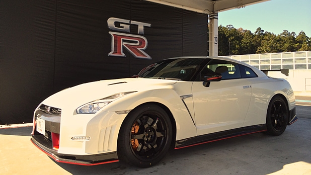 mj-618_348_the-impossibly-fast-nissan-gt-r-gets-even-more-impossibly-fast