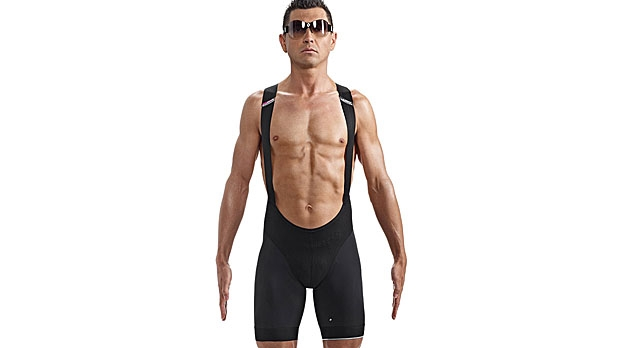 mj-618_348_the-perfect-bike-shorts-cycling-essentials-for-a-long-ride