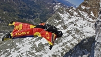 mj-618_348_the-plan-to-jump-off-everest-in-a-wingsuit